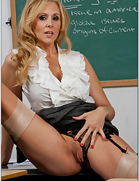 Julia Teaches Student How To Fuck