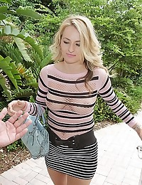 Beautiful Blonde Natasha Starr Spreads Wide