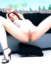 Gorgeous redhead erotic solo ...