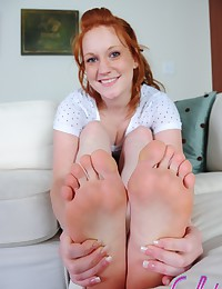 Lucy Daily - Natural redhead shows her big thong booty and perfect little toes