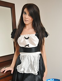 Yummy maid Wild Anna gets rid...