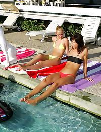 Bikini girls in lesbian foursome