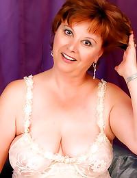 Hot milf in lace lingerie