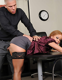 Tiny Nikki Loves Hardcore Office Banging