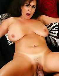 Chubby natural mature hardcor...