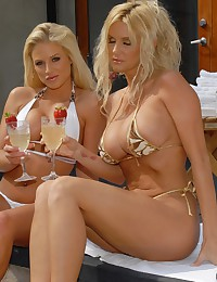 Two Blonde Getting It On