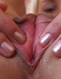 Amateur Teen Jane Shows her Pussy and Asshole in Close Up! Jane