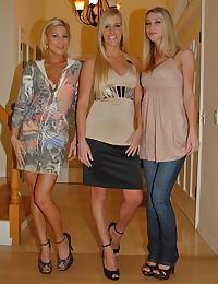 Lesbian trio making sweet love