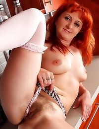 Horny Russian redhead shows h...