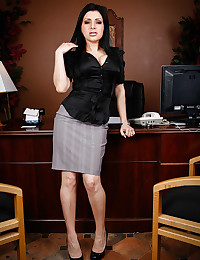 Luscious Sativa Strips In The Office
