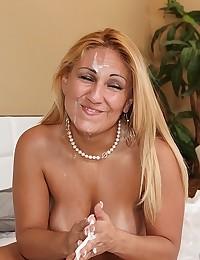 Voluptuous Natalia Rides Fat Cock