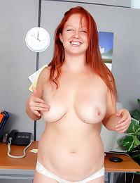 Hot redhead shows cunt