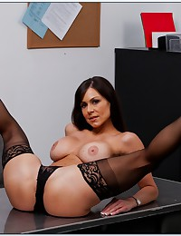 Fleixble Office Milf Kendra Gets Naughty