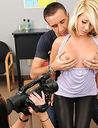 Blond Beauty Madison Squeezes Dick