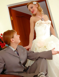 Sexy bride takes Russian stra...