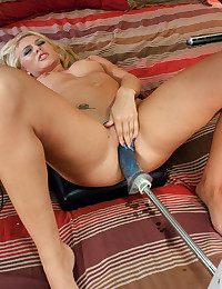 Blonde Babe So Wild And Dirty