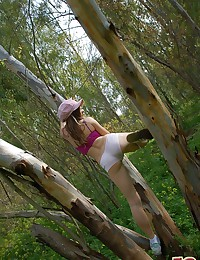 Emily 18 - Charmin young lady stripping in the woods