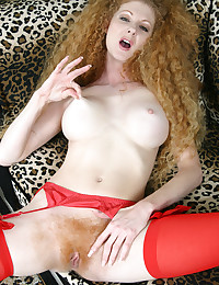 Redhead with super hairy puss...