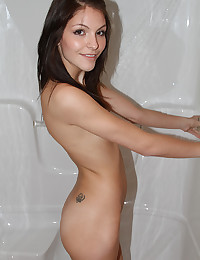 Slender Teen Lola Takes Shower