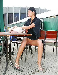 Upskirt to pussy in public