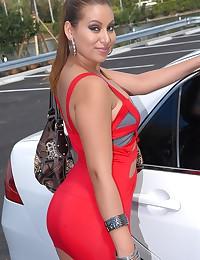 Curvaceous Latina Minx Jessica Sanchez