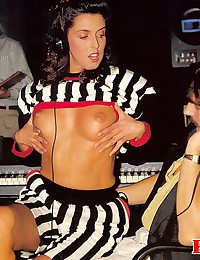 Retro girl pleases the DJ and his help orally