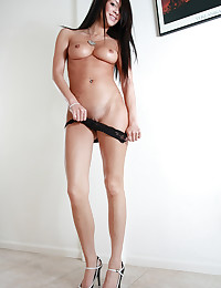 Talia Shepard - Lovely freshie having some naked fun at home - in front of the camera