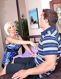 Aggressive sex with hot Diamo...