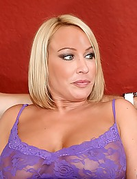 Voluptuous Blonde Milf Melanie Gets Boned