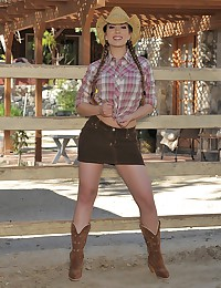 Sexy Cowgirl Poses Nude