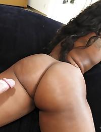 Thick Ebony Beauty Gets Pumped Raw