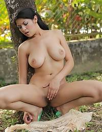 Erotic outdoor gallery with sexy Natalia Spice as she goes fully nude
