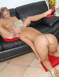 Free lesbian sex pics