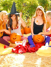 Four girls have hot lesbian s...
