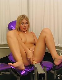 Hot blonde girl porn photos