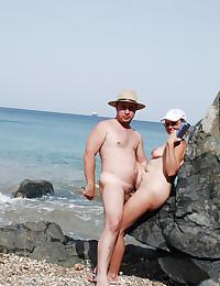 Huge public boobs show