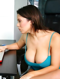 Mom shows huge tits