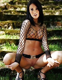 The hot fake pics show Megan Fox nude.