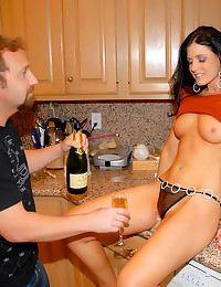 Milf in liquor store is hottie
