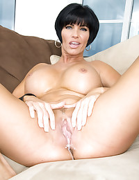 Incredible tits milf loves sex