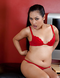 Voluptuous Asian Minx Plays Naughty