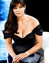 Hot Latina celebs look sexy