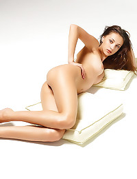 Erotic nudes with shaved girl
