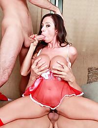 Luscious Cougar Ariella Rides Fat Cock