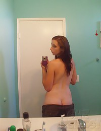 Sexy self shot mirror girl sent these pics to her boy friend