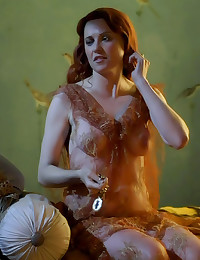 Lucy Lawless naked and hot