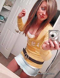 Photo selection of an emo cutie's sexy selfpics