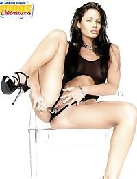 Angelina Jolie has a beautiful lips... and very beautiful pussy!