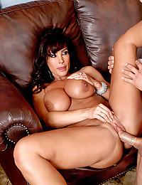 Lisa Ann Rides Chunky Cock