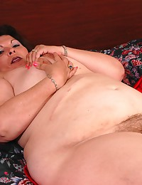 Fat hairy cunt mature solo